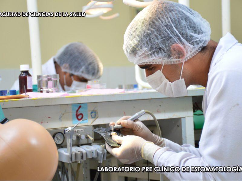 LABORATORIO PRE CLINICIO ESTOMATOLOGIA